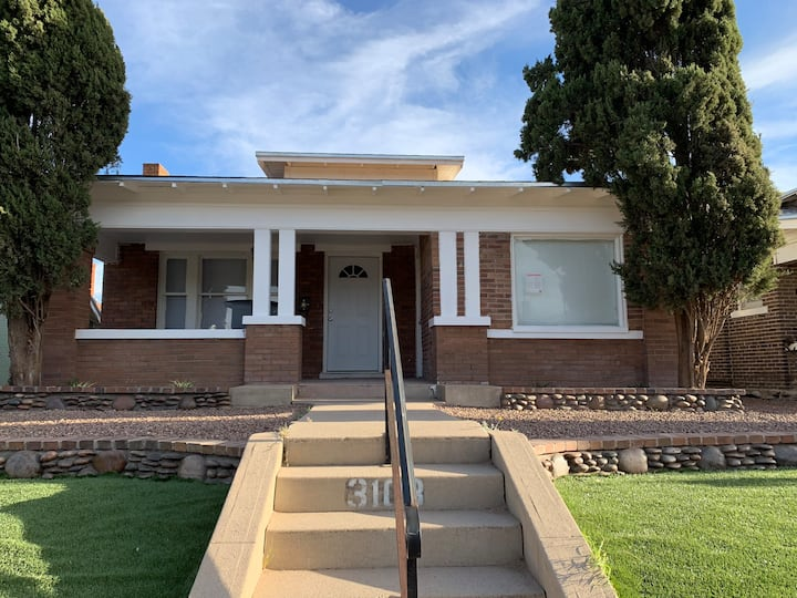 Charming 2 bed. historical house (Central) El Paso