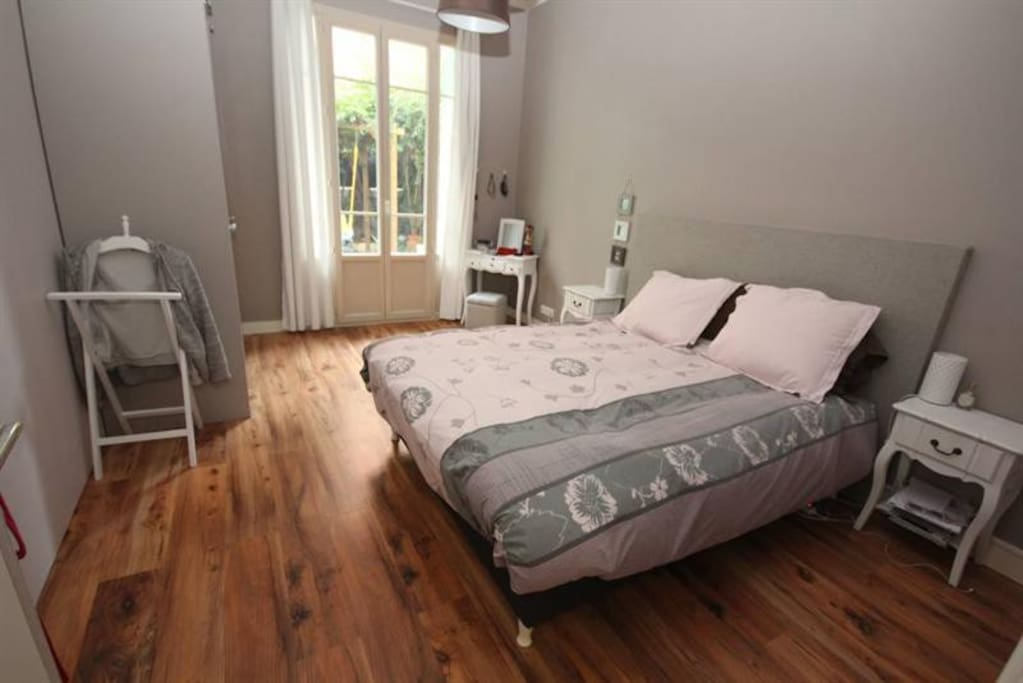 Master bedroom with King Size Bed opens on the garden
