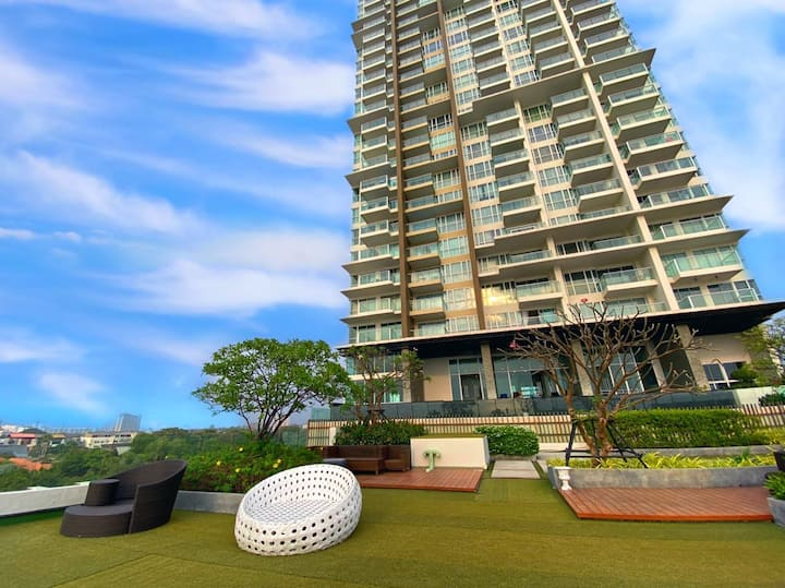 Cetus, 33 floor, one bedroom, Sea View