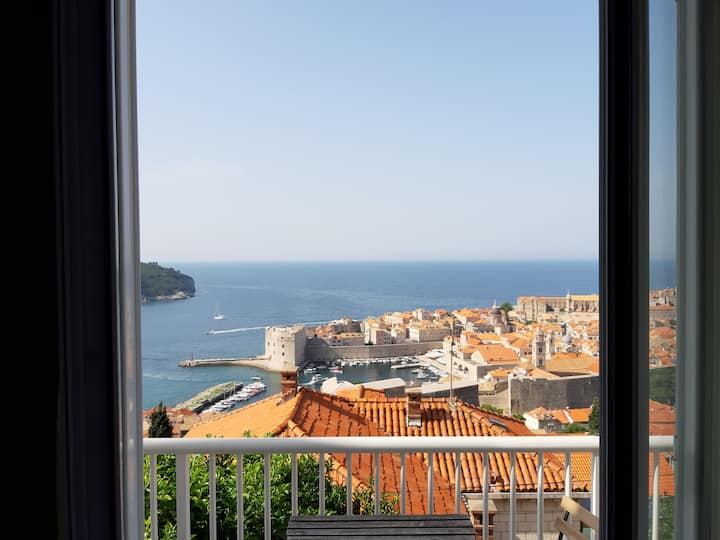 Ivo3-2 BR/amazing view on the Old town