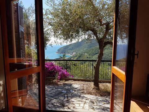 Villino con vista panoramica sul golfo di Noli