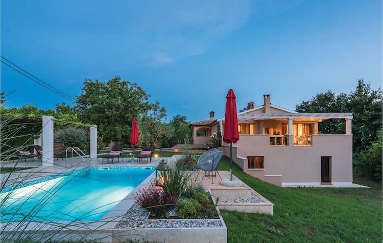 Holiday cottage with 2 bedrooms on 94 m²