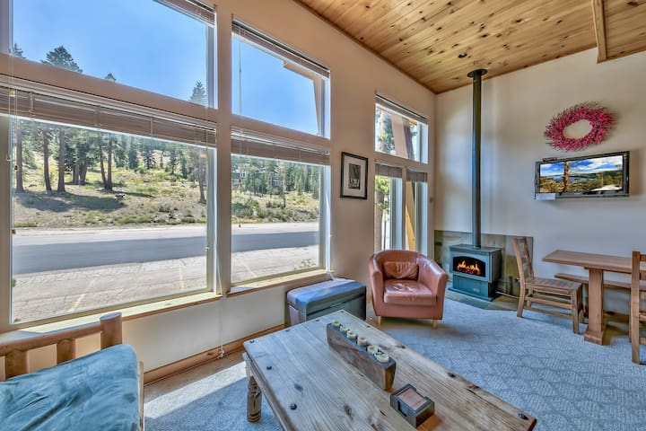 3Br Lost Cabin Townhome – Your Kirkwood Retreat