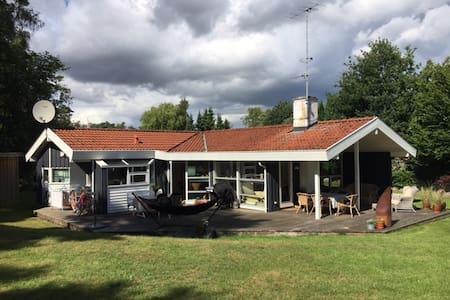 Sommerhus få meter fra Danmarks bedste strand - Væggerløse - Sommerhus/hytte