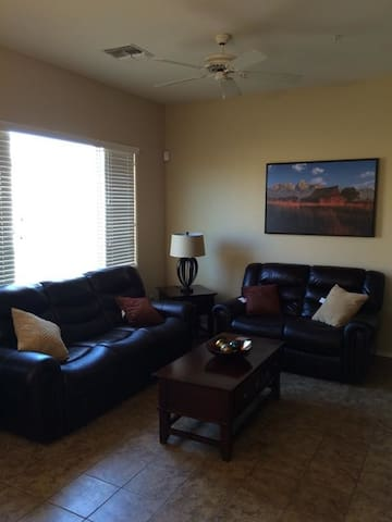 2BR Condo W/Community Pool Access, Spring Training