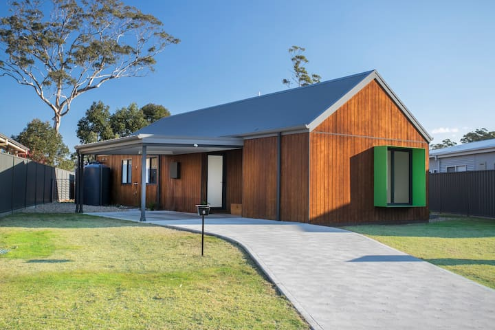Brand new eco-home near South Broulee Beach