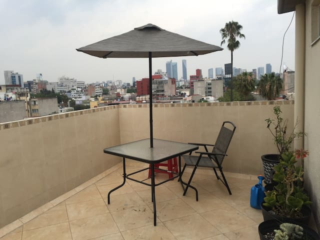Nice room in two floors penthouse 1st floor - Mexico City - Lägenhet