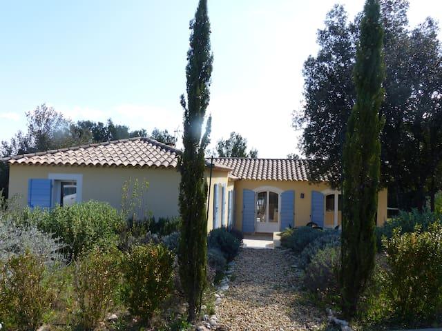 Villa 4 chambres Pt du Gard piscine - Collias - บ้าน