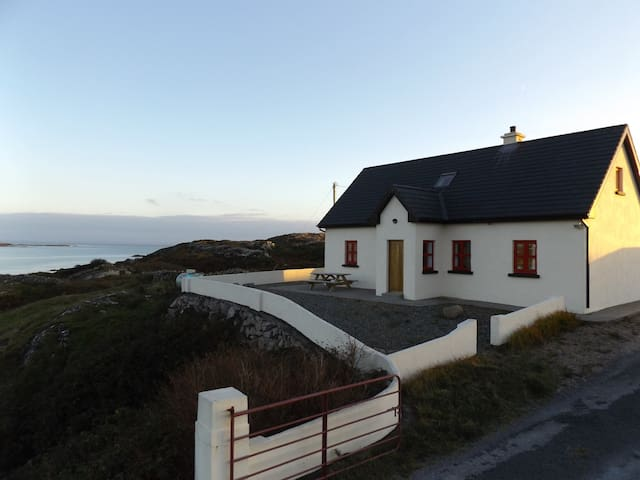 Lighthouse View Lettermullan - Lettermullan - Huis