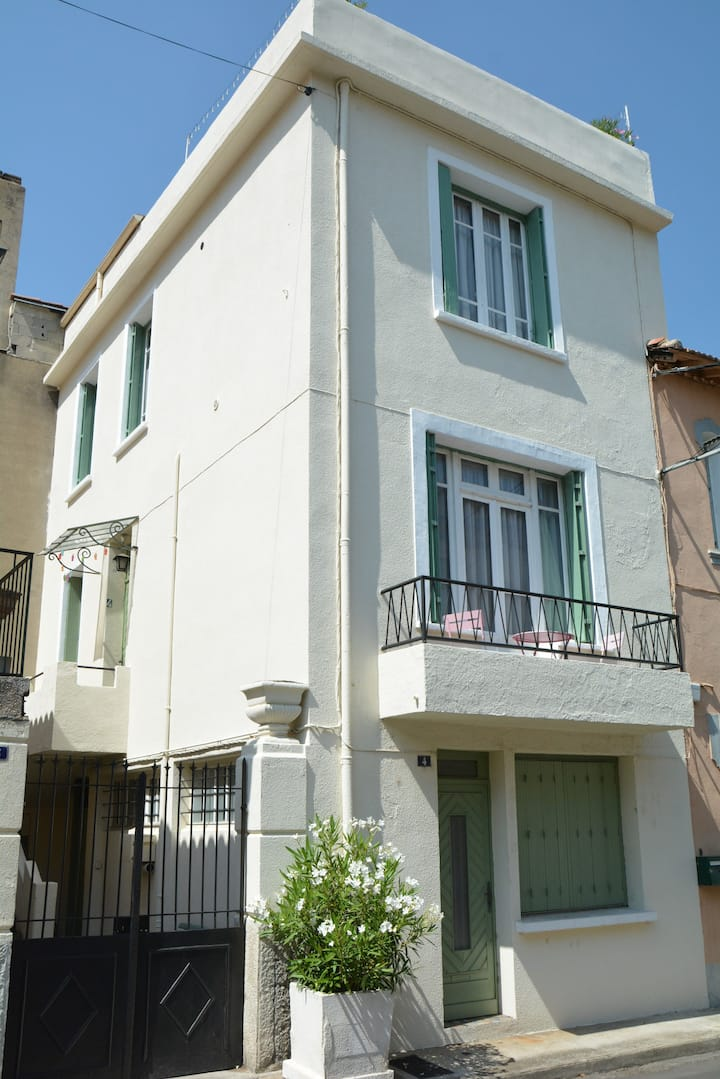 Studio apartment in centre of Quillan