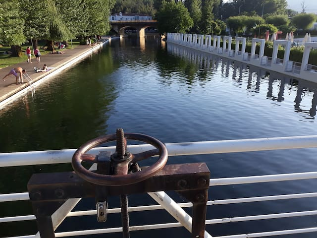 """Aproveite da piscina fluvial na Portagem!  Go for a swim in the """"river pool"""" in Portagem!"""