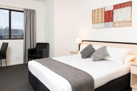 Riviera Deluxe Queen Room - Adelaide