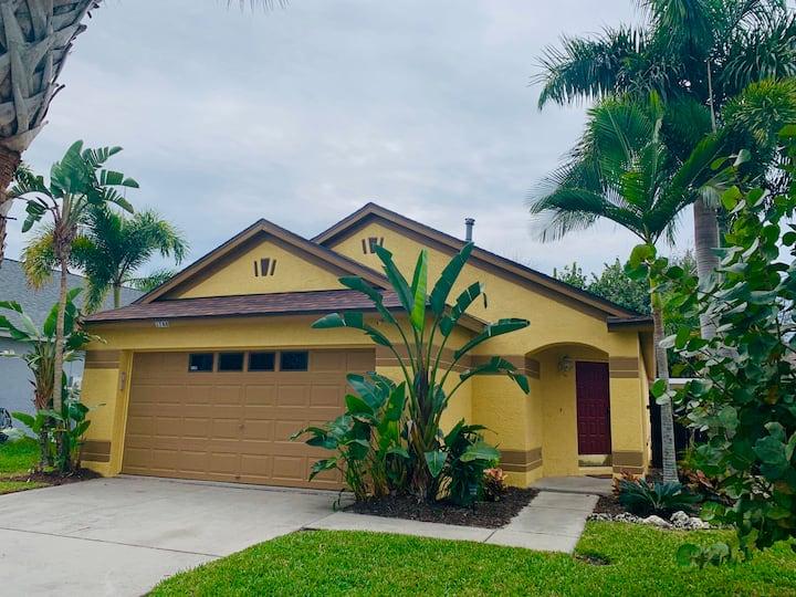 Tarpon Springs FL -Private pool house