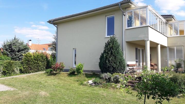 Rodinný dom - Bratislava / VOLKSWAGEN - 3 min.