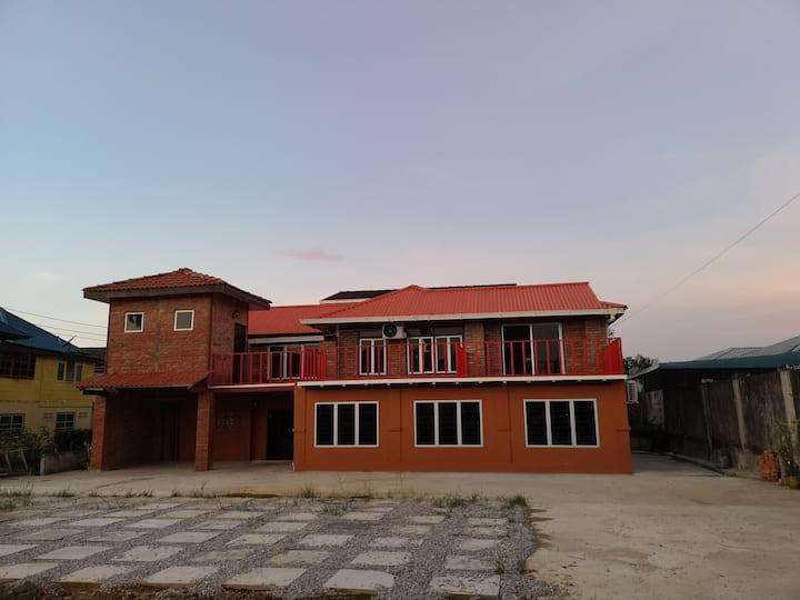 5 Bedroom apartment@ kenyalang urban homestay