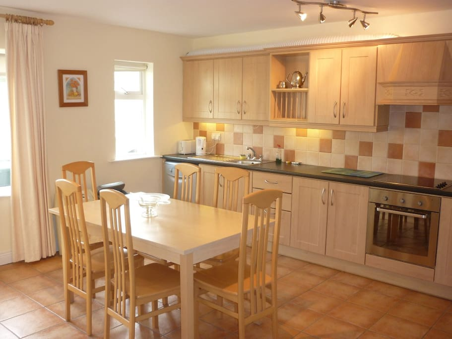 Fitted Kitchen Dining room