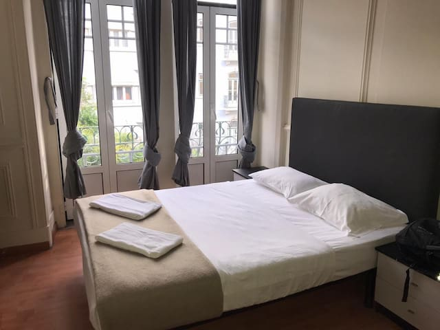 Room for family or a group of 4 in Lisbon Downtown