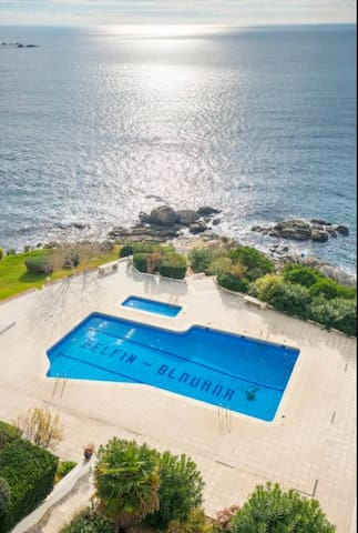 Pleasant Studio 2 pers Sea View with Pool