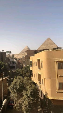 3 craz Room in pyramids with  Egypt  breakfast