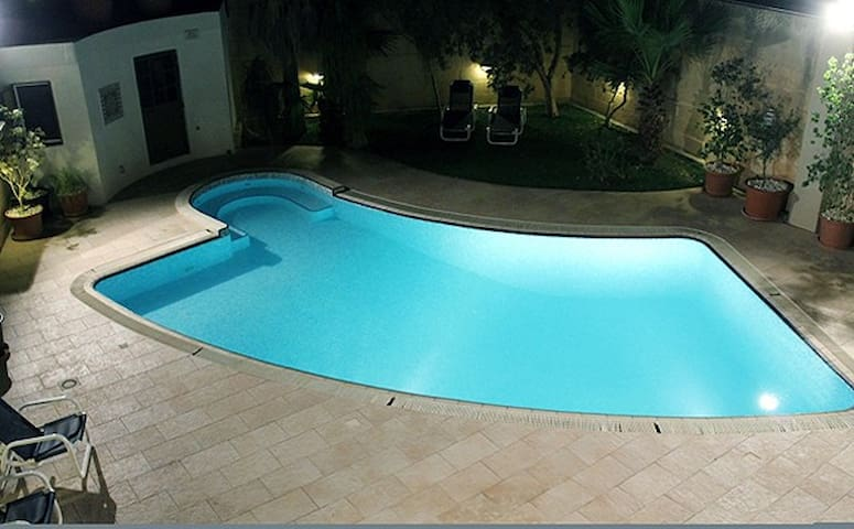 3 Bedroom Villa with Private Pool, Naxxar - Naxxar - Villa