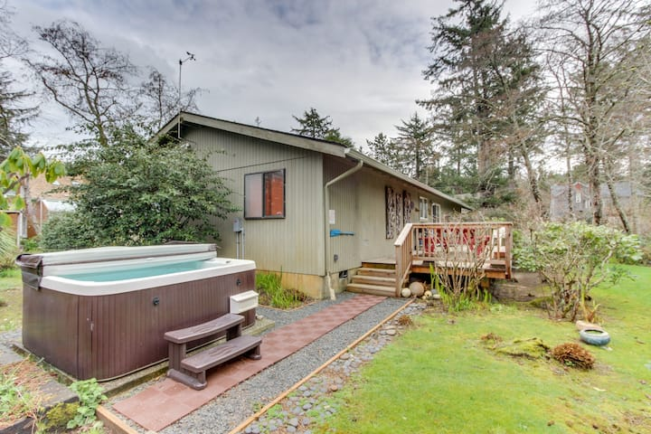 Dog-friendly cottage with private hot tub, deck, berry bushes, & beach access!