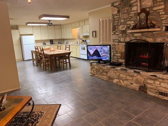 Lodges of Watson Farms - Great Location - Lg Home