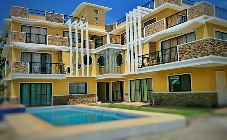 Yama Byu Apartment (sea & mountain view with pool) - Puerto Galera - Apartament