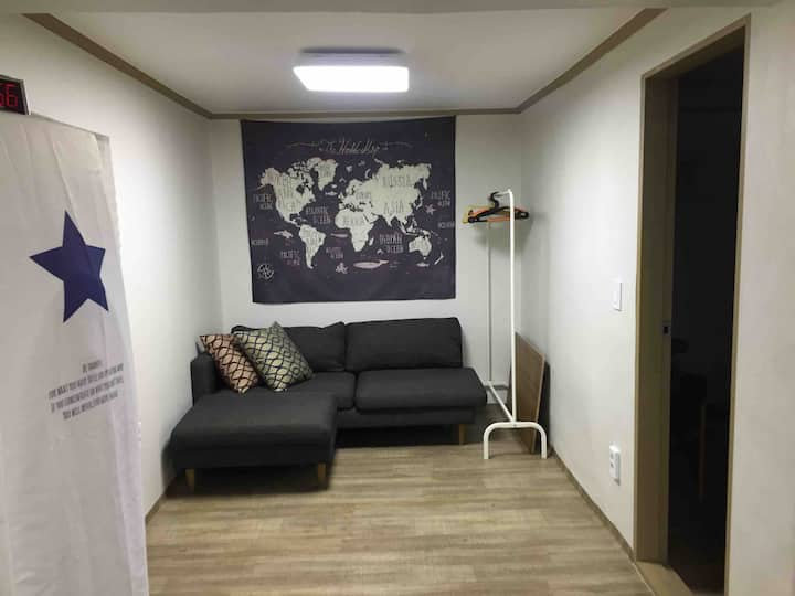 대방 2호 -2rooms Daebang  II //넓은 공간 단독사용. 대방역도보5분