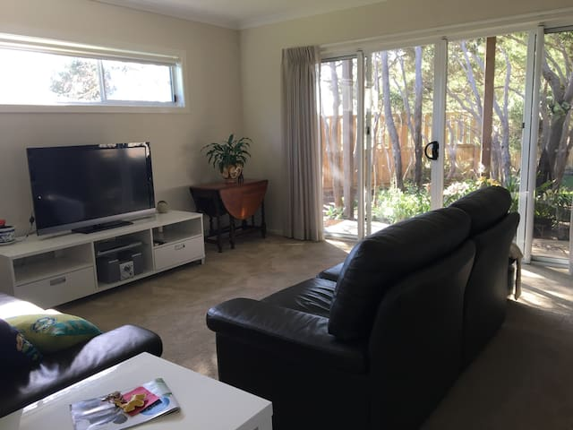 SARATOGA SERENITY  Barwon Heads Private apartment