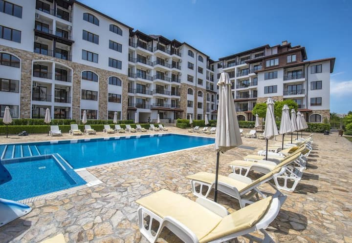 Sunny pool view apartment  and only 5 min to beach