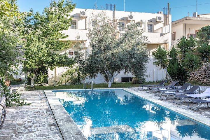 Holiday villa  with private pool Rethymno - Episkopi - วิลล่า