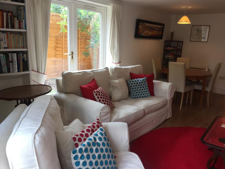Village Location/Comfortable 2 bed house from £78