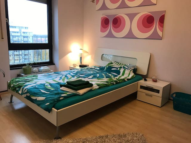 Wohlfühl-Schlafzimmer im Herzen Augsburgs