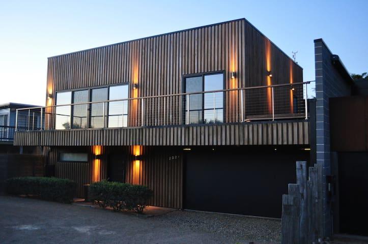 Contemporary beachfront home