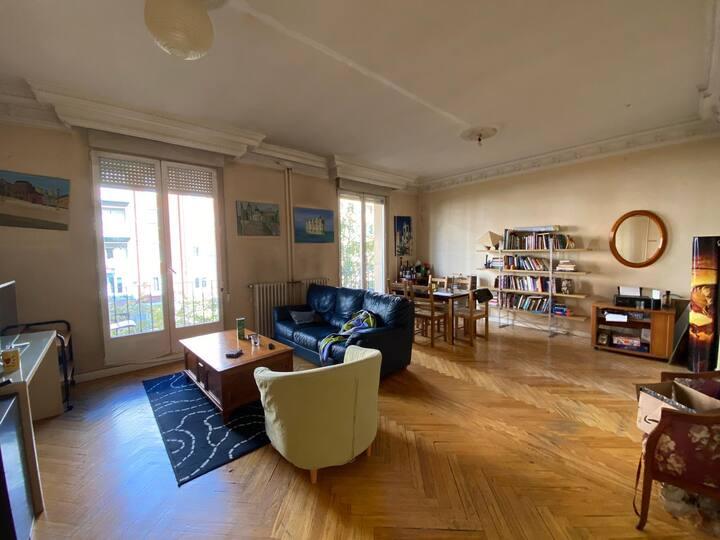 Gran habitación muy buen confort y limpieza.