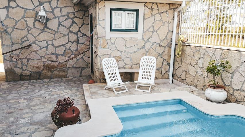 Leuzea Villa, Seixal, Setúbal