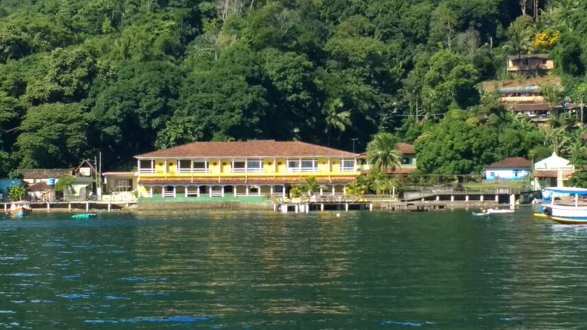 Pousada do Preto - pensão completa e passeio barco