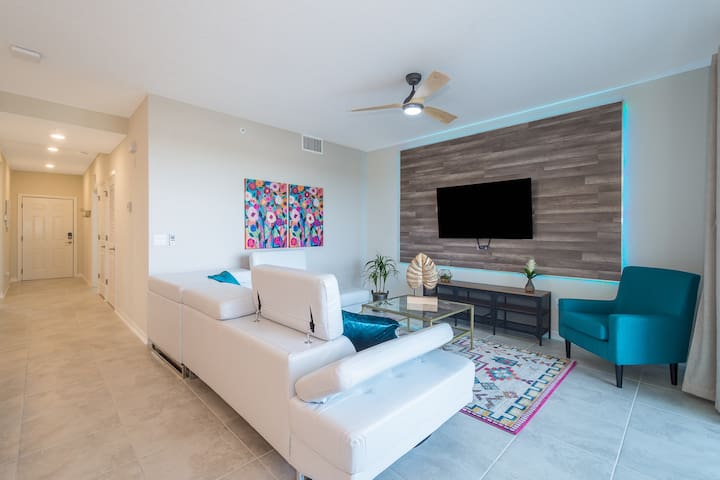 SPECIAL OFFER Storey Lake 2Bed&2Bath CH203
