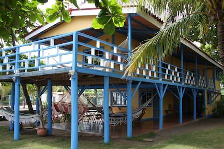 El Mirador de la Playa - Pochomil - Huis