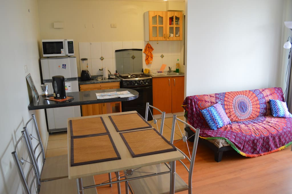 Kitchen - Comedor - Dining area