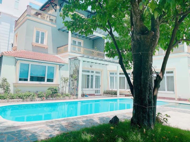 happy villa 5bedrooms, big pool dist2