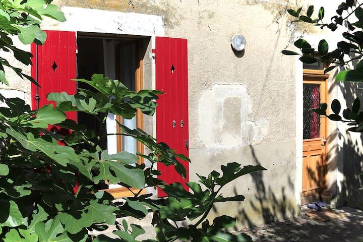 Charmant studio avec jardin proche du centre ville