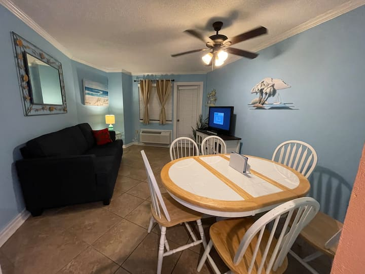 Fantastic Ocean View Condo with 2 Full Beds