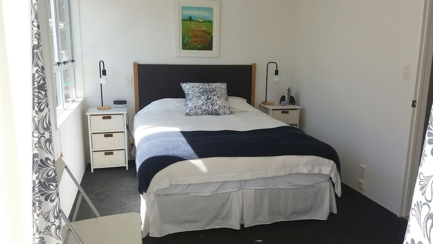 The Garden Room + pvt bathroom - Auckland - Huis