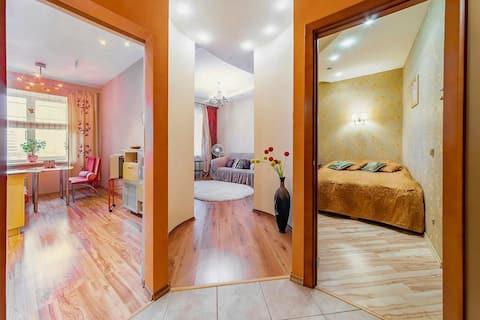 Уютная однокомнатная квартира рядом с метро