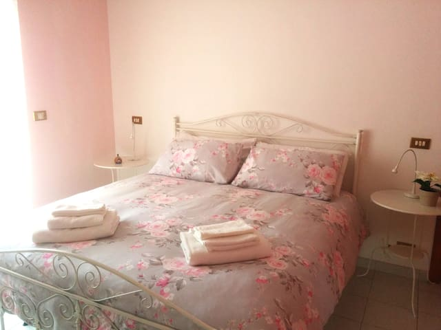 Dorelia's home: Dorothy's Room - Noicattaro - Appartement
