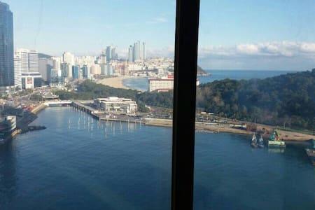 해운대 전망좋은 30층 아파트 - Busan