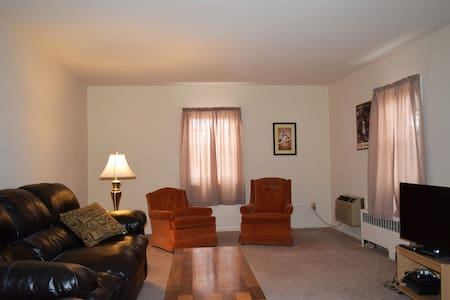Spacious 1 Br. Apt. in the heart of Red Bank - Red Bank - Appartement