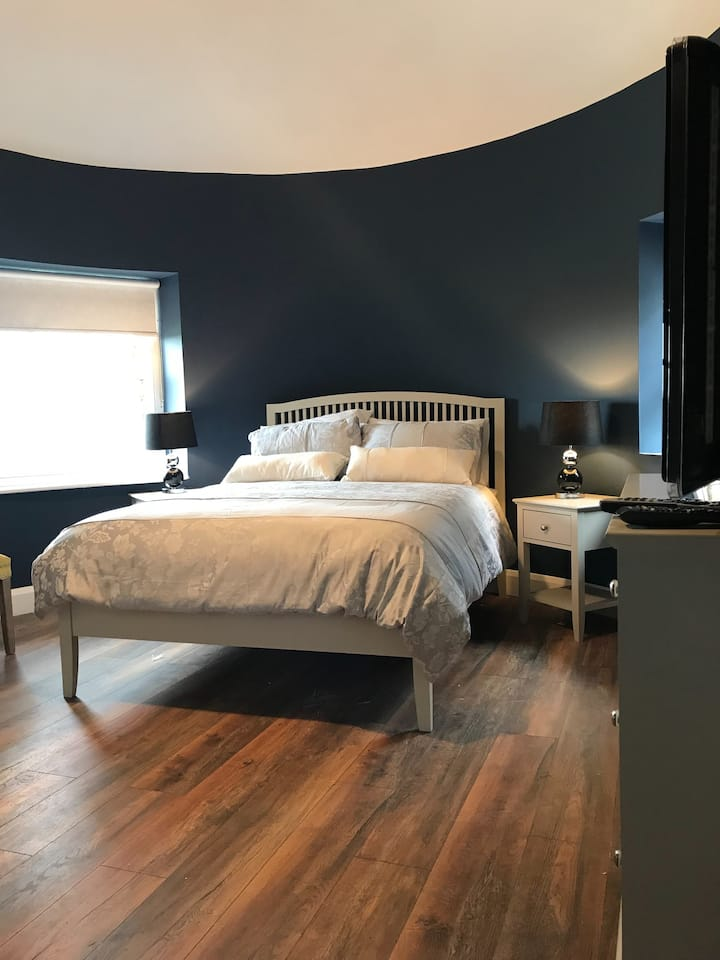 Guest Suite in a period property, ensuite,