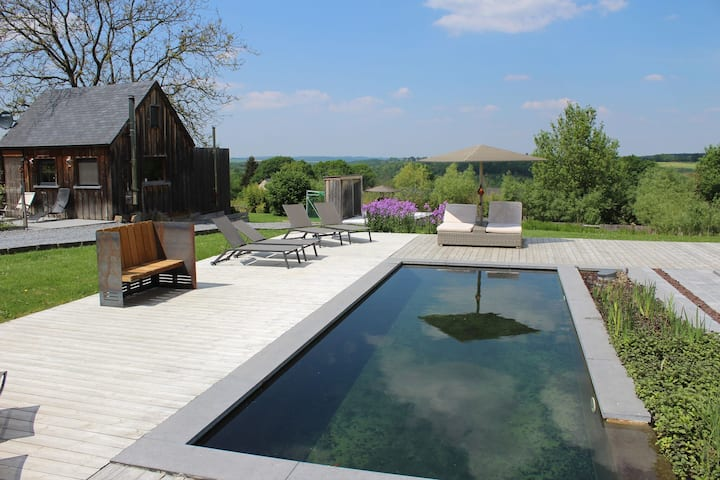 Luxurious Holiday Home in Heyd Durbuy with Sauna and Pool